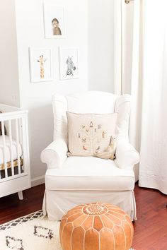 Nursery Chair with Pouf Ottoman