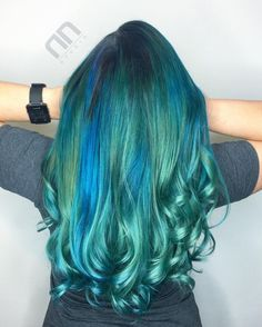 20 Hair Styles Starring Turquoise Hair Teal+Hair+With+Blue+Highlights Turquoise Hair Color, Aqua Hair, Neon Hair, Hair Color Pink, Hair Colors, Violet Hair, Colours, Blue Hair Highlights, Hair Color Balayage