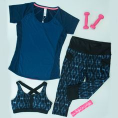 Going to gym? or yoga classes over  the weekend?  Our blue marl panelled tee, coral sports bra and printed shaping tight,  will make you look and feel your best!