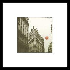 Red (hot air)balloon