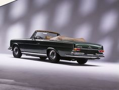 Mercedes-Benz 280SE 3.5 Cabrio (W111) by Auto Clasico, via Flickr