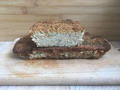 """Pasztet z mięsa i warzyw z rosołu to super przepis na wykorzystanie """"resztek"""" po ugotowaniu rosołu. Pasztet jest pyszny i łatwy w przygotowaniu. Mięciutki i wilgotny, idealny na kanapkę :). Składniki: mięso drobiowe z rosołu, u mnie po obraniu ok 460 gramwarzywa z rosołu: u mnie 2 cebule, Banana Bread, Blog, Tatoo, Easter Activities, Blogging"""