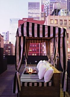rooftop patio. i so want to live in new york and have this, omg <3