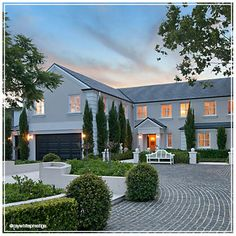 Monaco street property at it's finest - Gold Coast living!