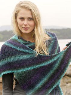Strikkeopskrift, strikket sjal med vendinger i smukke farver