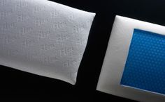 Memoform Air pillow by Flou. This pillow has been manufactured in the Memoform Viscoelastic substance with a BIOSGEL open-cell structure. This gel can absorb heat and guarantees maximum transpiration of the pillow. The covers are 100% pure cotton. #Cushions #bedding #bed #wellness #cuscini #cuscino #guanciale