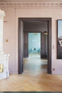 〚 Chic modern apartment in old building in Oslo 〛 ◾ Photos ◾Ideas◾ Design Interior Design Magazine, Best Interior Design, Interior And Exterior, Interior Office, Beautiful Interiors, Colorful Interiors, Cheap Home Decor, Diy Home Decor, Colorful Apartment