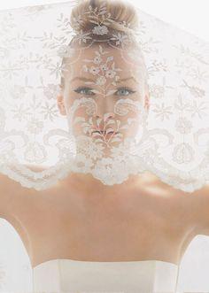Romantic-bridal-veils-by-rosa-clara.