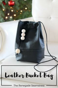 Turn Your Old Leather Jacket Into a Chic Bucket Bag (The Renegade Seamstress) Recycled Leather, Leather Craft, Handmade Leather, Vintage Leather, Renegade Seamstress, Diy Sac, Diy Vetement, Backpack Pattern, Diy Purse