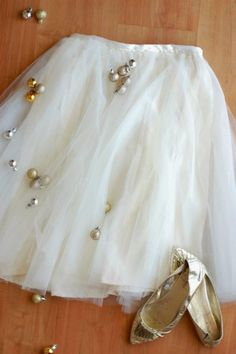 DIY Tulle Skirt | Easy DIY New Year's Eve Outfits That Add Glamour