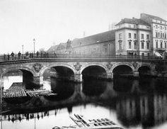 Berlin: Lange Brücke, 1889.