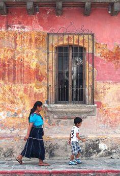 calle-de-la-antigua-guatemala