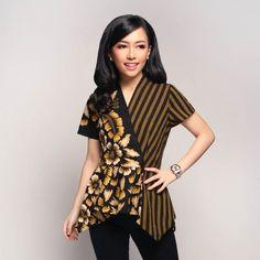 Home - Batik Kultur Smart Casual Outfit, Casual Outfits, Blouse Batik Modern, Dress Batik Kombinasi, Batik Blazer, Stylish Dresses For Girls, Batik Fashion, High Fashion Dresses, Kurti Neck Designs