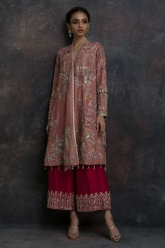 Buy beautiful Designer fully custom made bridal lehenga choli and party wear lehenga choli on Beautiful Latest Designs available in all comfortable price range.Buy Designer Collection Online : Call/ WhatsApp us on : Pakistani Wedding Outfits, Pakistani Dresses Casual, Pakistani Dress Design, Indian Dresses, Indian Outfits, Shadi Dresses, Nikkah Dress, Indian Designer Outfits, Designer Dresses