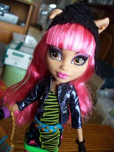 Howleen Wolf 13 Wishes Howleen Wolf, Hedgehog Pet, Monster High Birthday, Custom Monster High Dolls, Love Monster, Season Of The Witch, Wild Style, Play Soccer, Ever After High