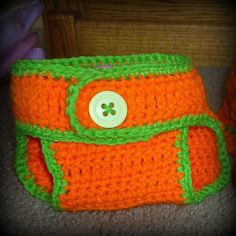 Adjustable Diaper Cover Pattern    Sizes 0-9 mo, it is adjustable on waist and can fit most any baby.   Supplies   Hook size H   Y...