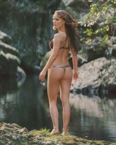 NATALIE PORTMAN bikini PICTURES PHOTOS and IMAGES
