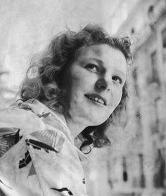 Nel van Vliet (1926-2006). London 1948, Swimming - Women's 200m breast stroke