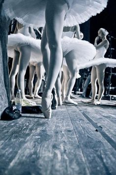 #legs #ballerina #pointeshoes #tutu