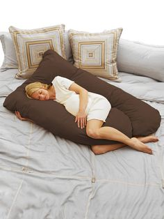 BabyAge Cozy Cuddler Pillow on Gilt $40.00 I don;t care that it is for pregnant women, I want- no- NEED one!