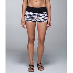 Lululemon Wamo Camo Pink WaterBound Shorts Women's Size 8  #lululemon #shorts