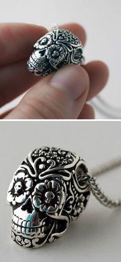 Sugar Skull Necklace pretty