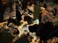 The Treur-Blyde confluence at Bourke's Luck Potholes, in the upper Blyde River Canyon, South Africa. photo by Bjørn Christian Tørrissen Beautiful World, Beautiful Places, Amazing Places, Travel General, Male Hands, Nature Reserve, Amazing Nature, Wonders Of The World, Mother Nature