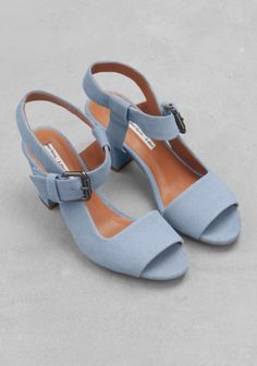 & Other Stories image 2 of Low-heel sandals in Blue Greenish – Bags & Shoes Low Heel Sandals, Low Heels, Low Heel Shoes, Clogs Shoes, Shoes Sandals, Cute Shoes, Me Too Shoes, Fashion Heels, Summer Shoes