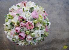 Ramo de Novia Romántico en blanco y rosa Mayula Flores
