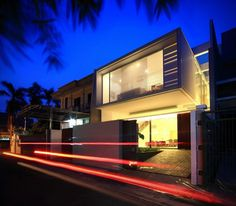 Modern Satu House by Chrystalline Artchitect