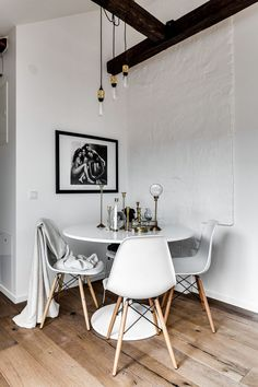 Small Modern Industrial Apartment Decoration Ideas – Decorating Ideas - Home Decor Ideas and Tips Small Room Design, Dining Room Design, Apartment Decoration, Industrial Apartment, Attic Apartment, Apartment Interior, Room Interior, Gravity Home, Dining Room Inspiration