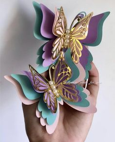 Paper butterflies are beautiful for home and party decorations. Butterfly Baby Shower, Butterfly Party, Butterfly Birthday, Butterfly Crafts, Flower Crafts, Butterfly Decorations, Butterfly Colors, Butterfly Mobile, Butterfly Wall Art