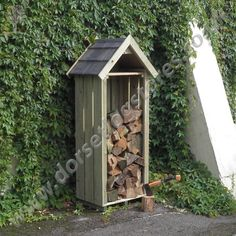 The High Hinton Log Store, made in England by Dorset Log Stores. Sentry Box style outdoor log store with timber, slate or shingle roofs options, FREE DELIVERY, 15 year warranty. Outdoor Firewood Rack, Firewood Shed, Firewood Storage, Log Store Uk, Wood Bin, Bin Store, Recycled Tin Cans, Garden Projects