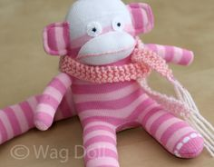Wag Doll: How To Make A Baby Sock Monkey - Tutorial . Ohhhhh!!!! I always wanted one of these!
