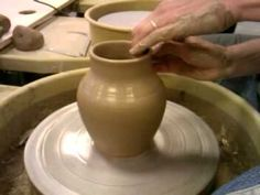 How to throw a vase on a pottery wheel