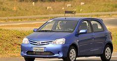 Toyota Etios chega à linha 2016 com tela que espelha smartphone