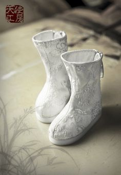 1/6 White Antique Brocade shoes - Angell Studio En
