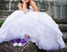 Love this idea- dress with converse | ~q u i n c i ñ e r a~ | Pintere…