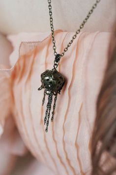 Jellyfish filigree necklace in antique brass by Rosaspina on Etsy, €30.00