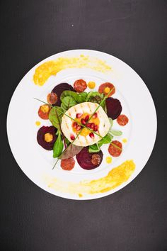 Grilled Goats Cheese with Mango Sauce, Beets and Caramelised Carrots | Berries and Spice