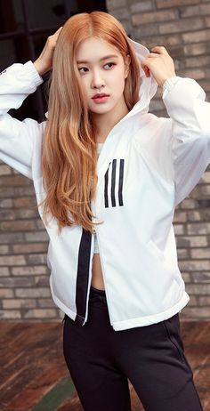 Rosé (BLACKPINK) images Rosé Looks Cool and Classy for Adidas W.D Jacket wallpaper and background photosYour source of news on YG's current biggest girl group, BLACKPINK! Kim Jennie, K Pop, South Korean Girls, Korean Girl Groups, Wallpaper Rose, Wallpaper Space, Black Wallpaper, Foto Rose, Rose Adidas