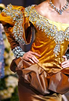 Christian Dior meets Shakespeare, at the Globe Theatre?
