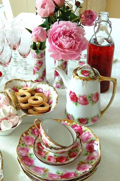 Just added a teapot like this to the vintage china rental collection. www.vintagedishrental.com