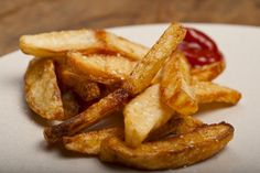 Check out these 10 easy steps to making restaurant-quality #fries. #FoodRepublic