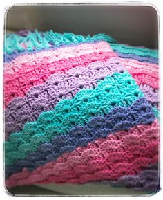 Blanket crochet shell stitch mixed berry colour Carron cake