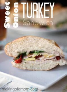 This Sweet Onion Turkey Sandwich is so delicious with a homemade sweet onion vinaigrette and #OscarMayerSelect Turkey. #sponsored