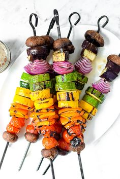 Plant-based Rainbow Grilled Vegan Veggie Kebab Skewers that are naturally dairy-free, gluten-free, nut-free, Paleo, allergen-friendly and packed with. Vegetarian Grilling, Healthy Grilling Recipes, Kebab Recipes, Barbecue Recipes, Barbecue Sauce, Vegetarian Food, Vegan Kabobs, Grilled Veggie Kabobs, Veggie Skewers