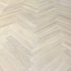 Parkett Saga Eik Premium Pearl Nature White 1-stav | www.tlund.no Hardwood Floors, Flooring, Saga, Pearls, Nature, Modern, Wood Floor Tiles, Wood Flooring, Naturaleza