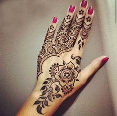 tatouage au henne                                                       …