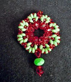 Free pattern for pendant Rumba Click on link to get pattern - http://beadsmagic.com/?p=4729